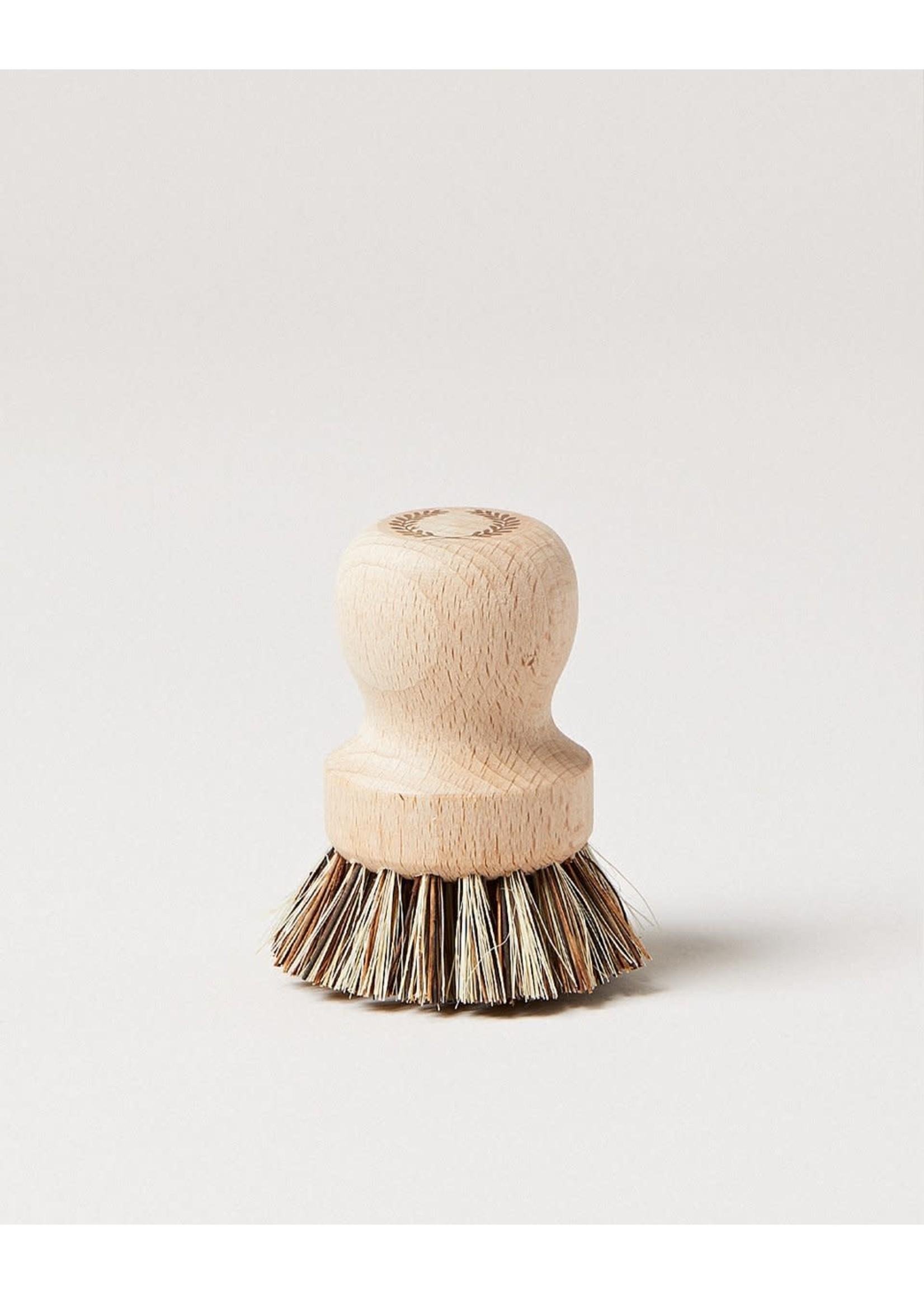 Farmhouse Pottery Laurel Pot Brush