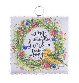 Mini Gallery Sing a Song Wreath Charm