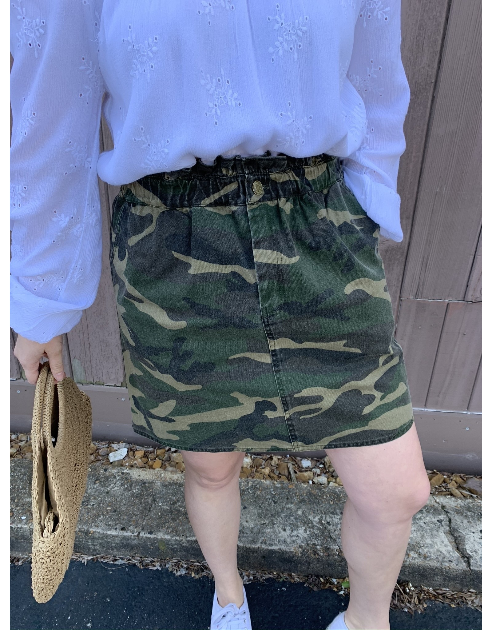 CATCH ME CAMO SKIRT