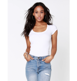 KUKANA SCOOP NECK TEE
