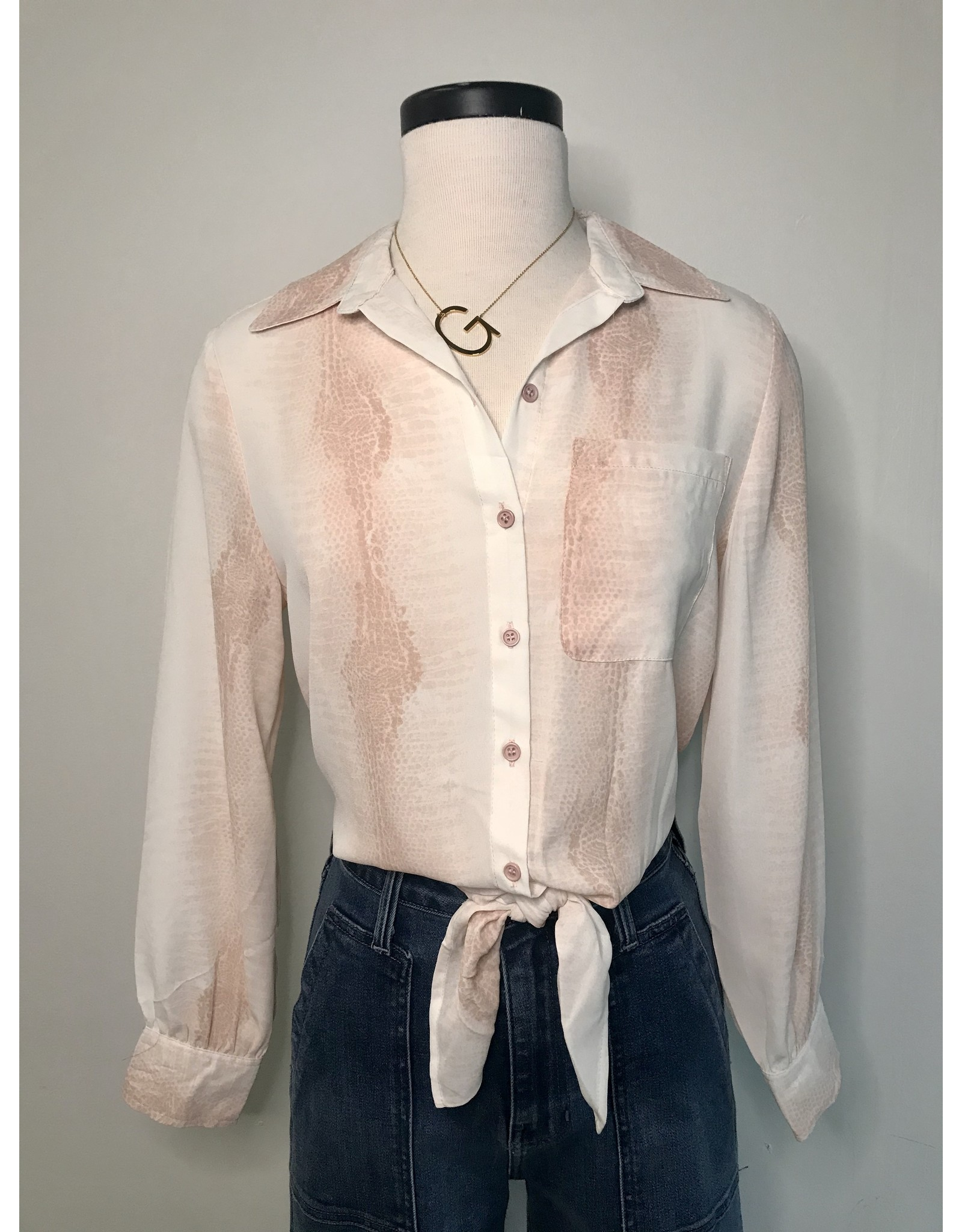 VIOLET + CLAIRA TRYSTAN BLOUSE