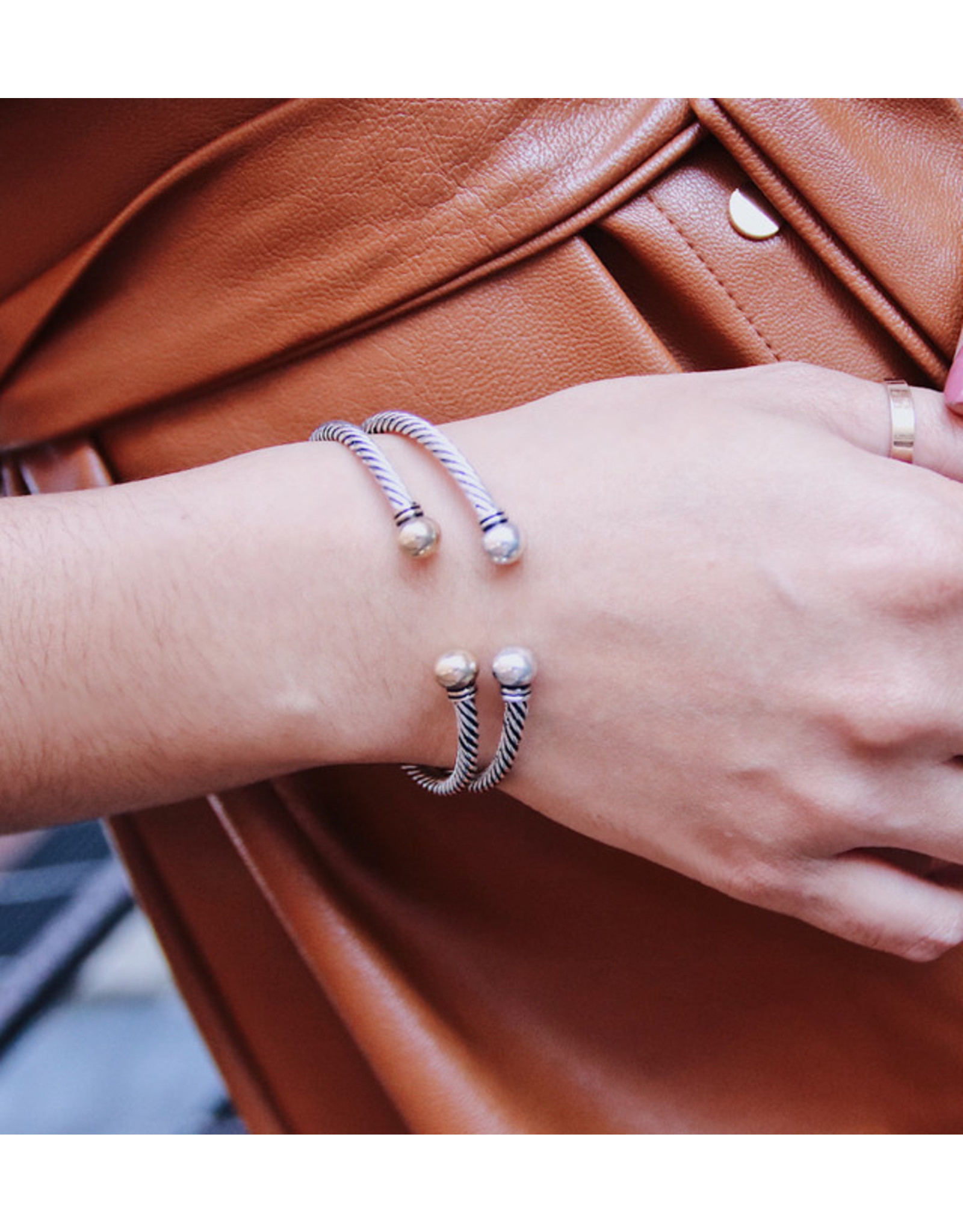 UMUT CABLE CUFF