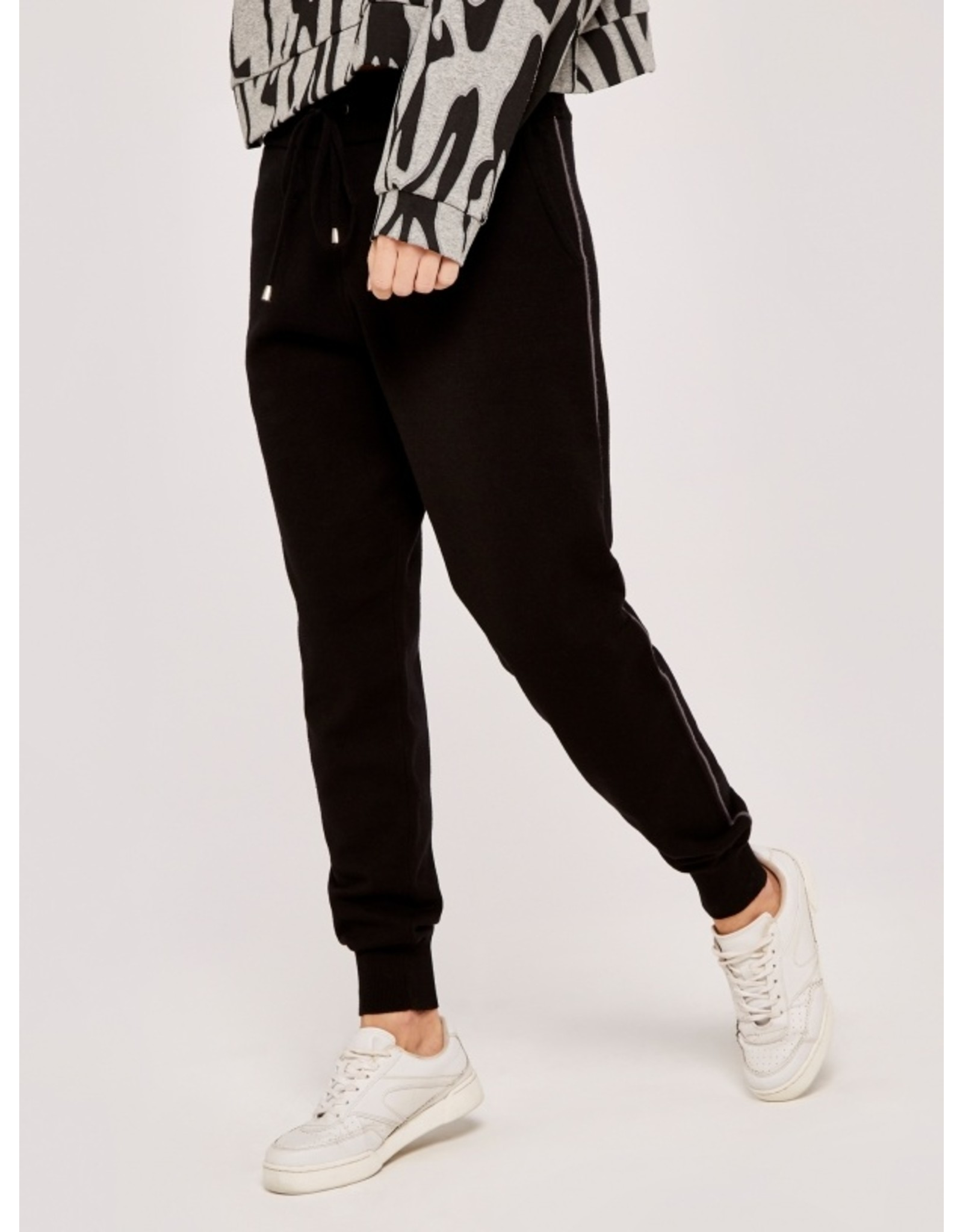 AAID SWEATER KNIT JOGGER