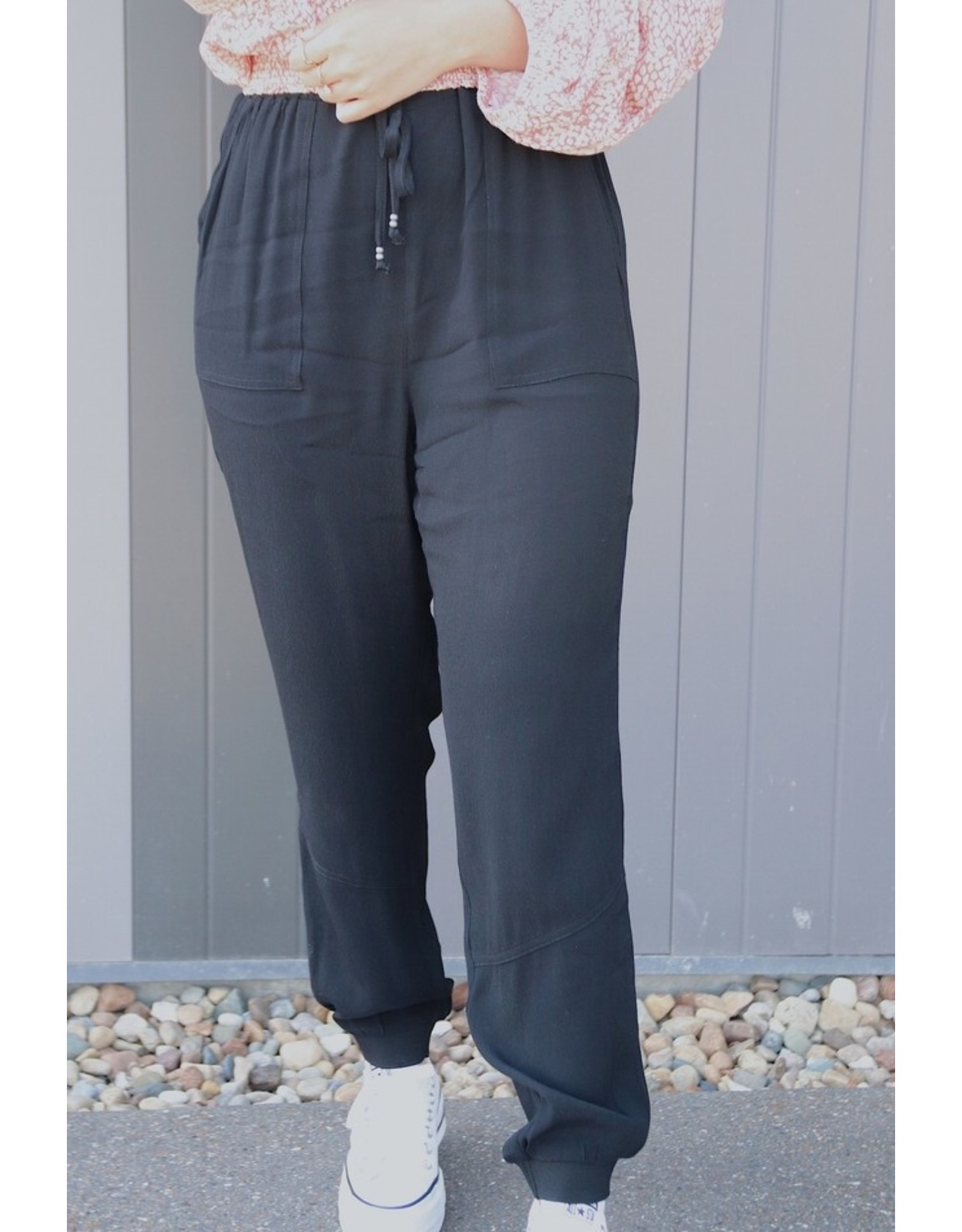 GENTLE FAWN STORM WITH POCKET JOGGERS