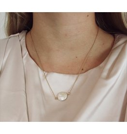 AKSEL PEARL NECKLACE
