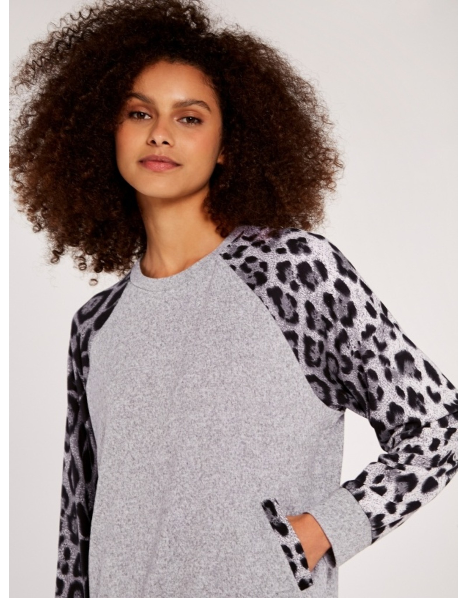 ARIANWEN LEOPARD SLEEVE PULLOVER