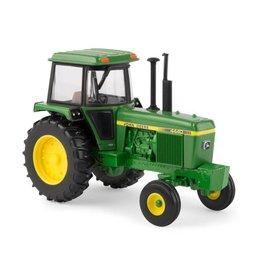 John Deer 32 John Deere 4440 Tractor