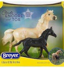 Breyer 2021 Encore and Tor Mustang Set 1840