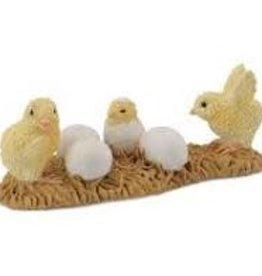 Breyer Hatching Chicks