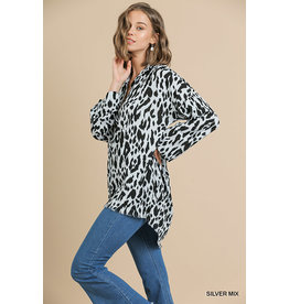 Umgee Animal Print L/S Pullover Top w/Frayed Hem
