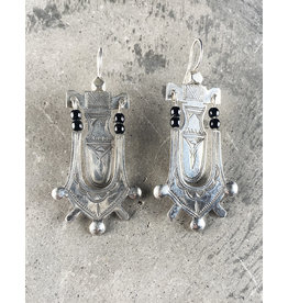 Timidwa Lemta Earrings Onyx