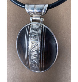 Timidwa Tuareg Ebony Oval Pendant Necklace