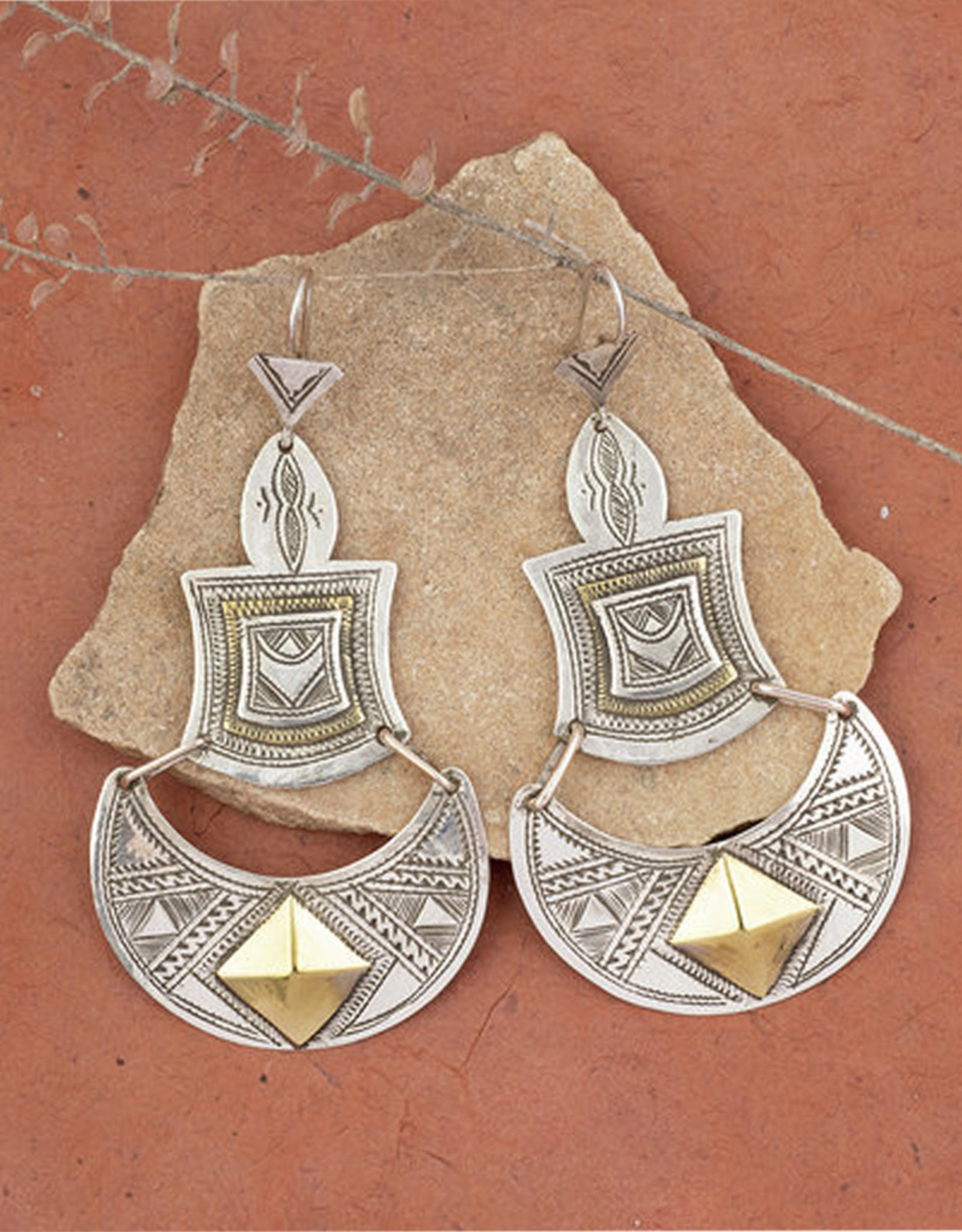 Timidwa Lunja Demilune Earrings