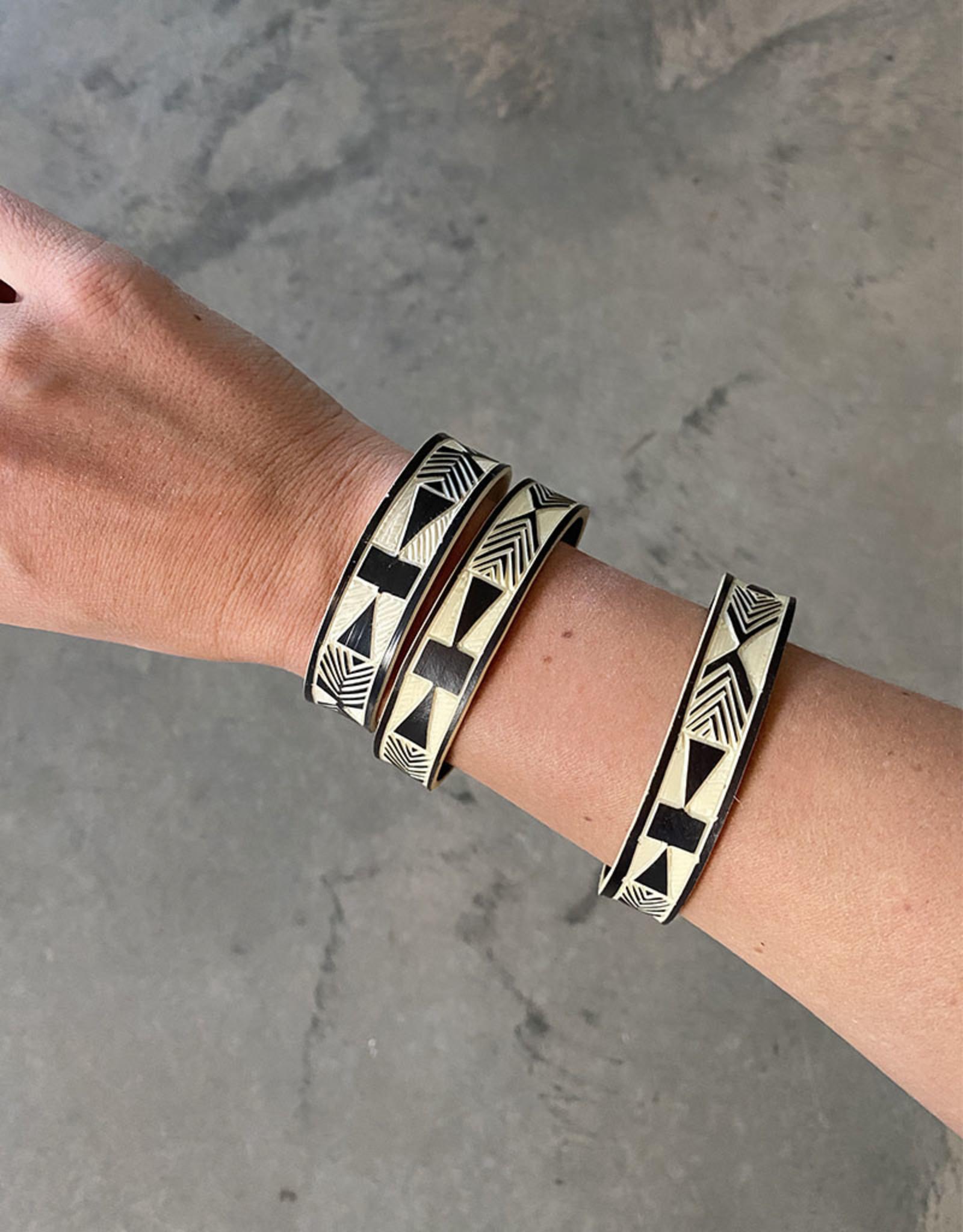 """Omba Himba Geometric Bracelet Black 0.5"""""""