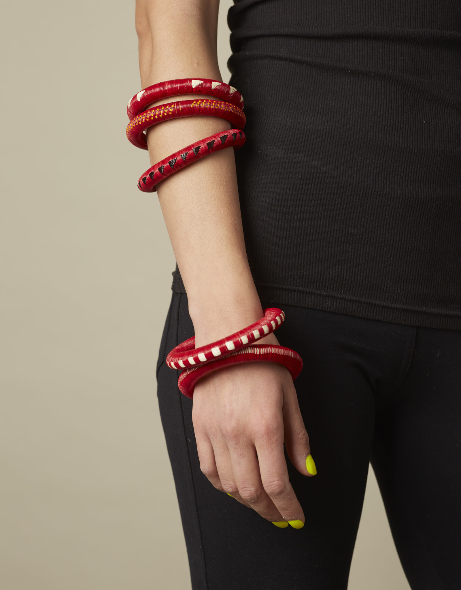 Finatur Wounaan Bangle Red White Weave