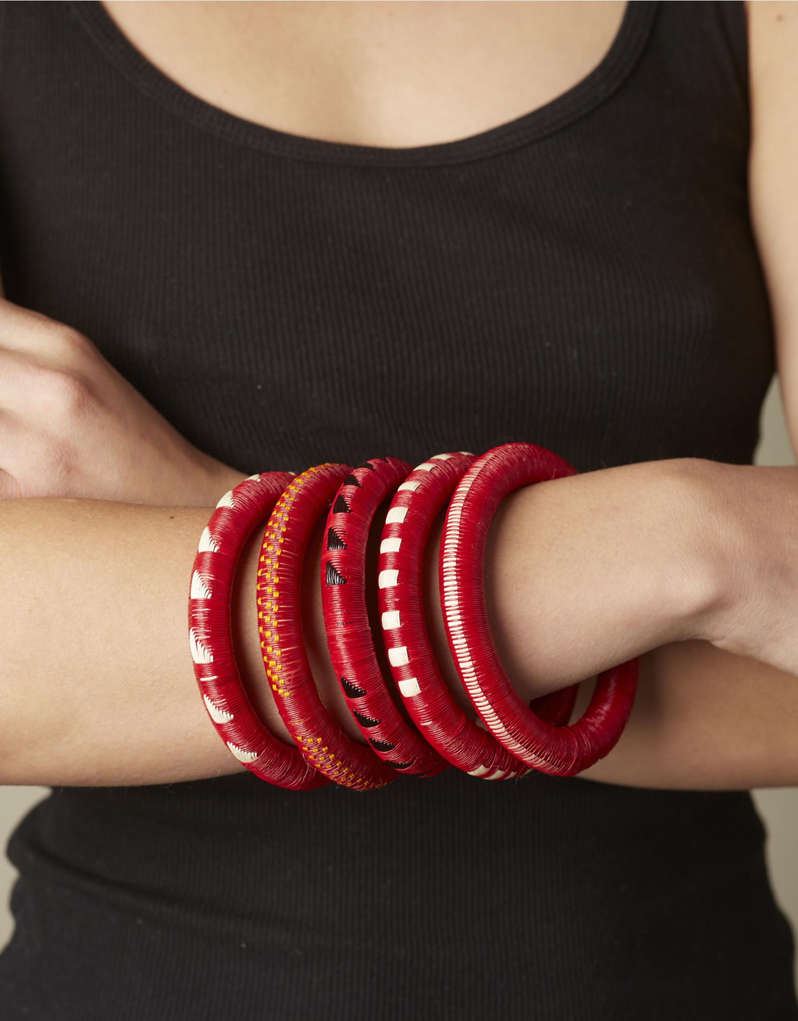 Finatur Wounaan Bangle Red Stripe