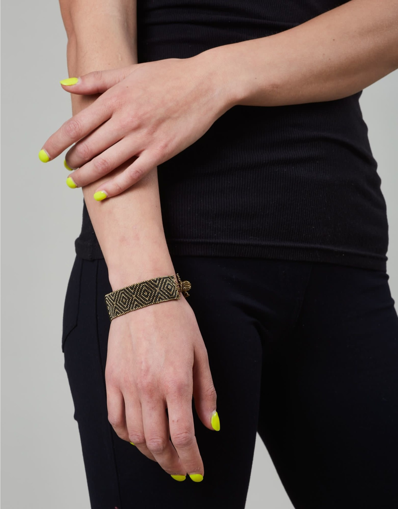 Huichol Beaded Bracelet Gold Black