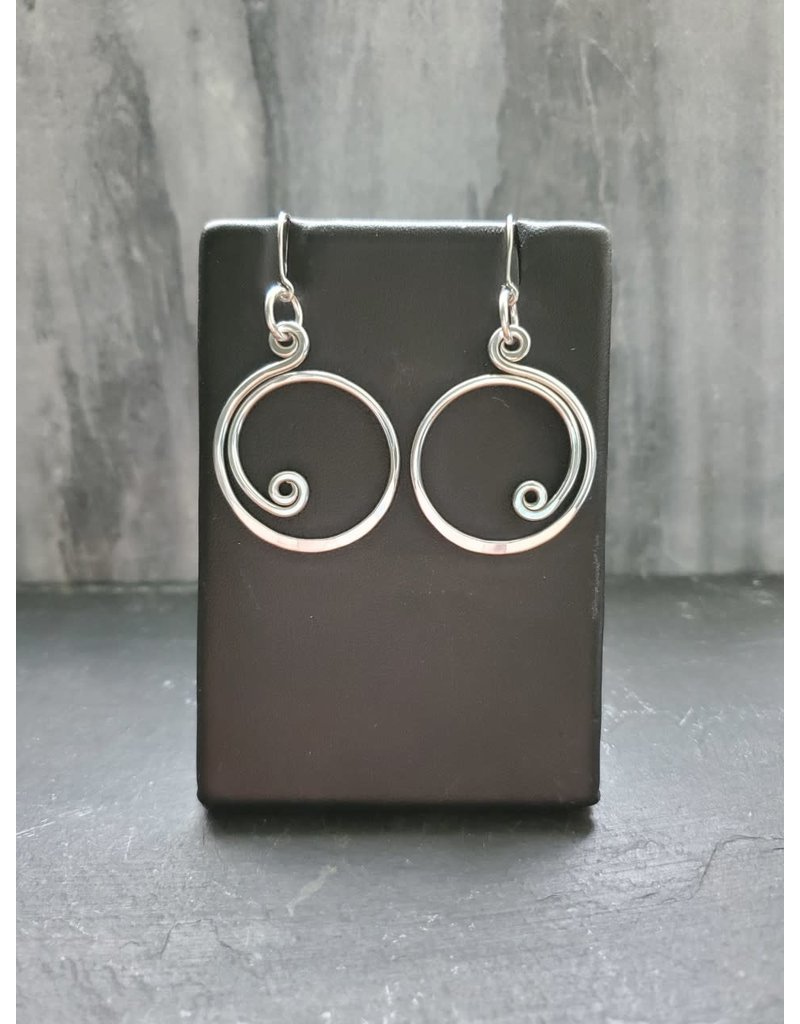 The Artist Jay Petite Curly Q Earrings