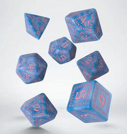 Q-Workshop Ruinic Glacier & Pink Poly 7 Dice Set