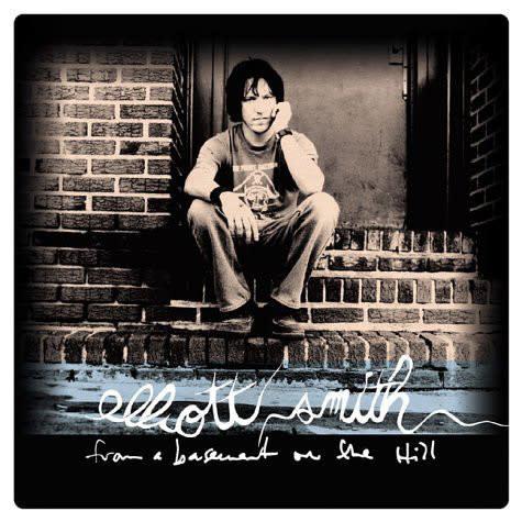 Rock/Pop Elliott Smith – From A Basement On The Hill (2004 Domino Press) (VG++, upper seam almost splitting 2in.)