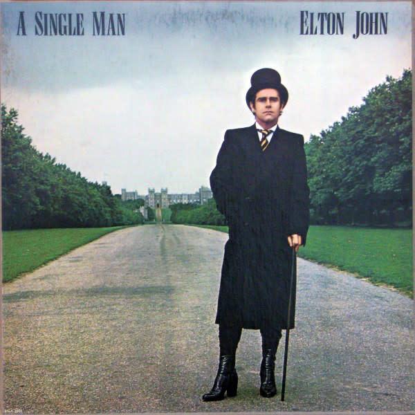 Rock/Pop Elton John - A Single Man (VG+; shelf/spine/ring-wear, all mild)