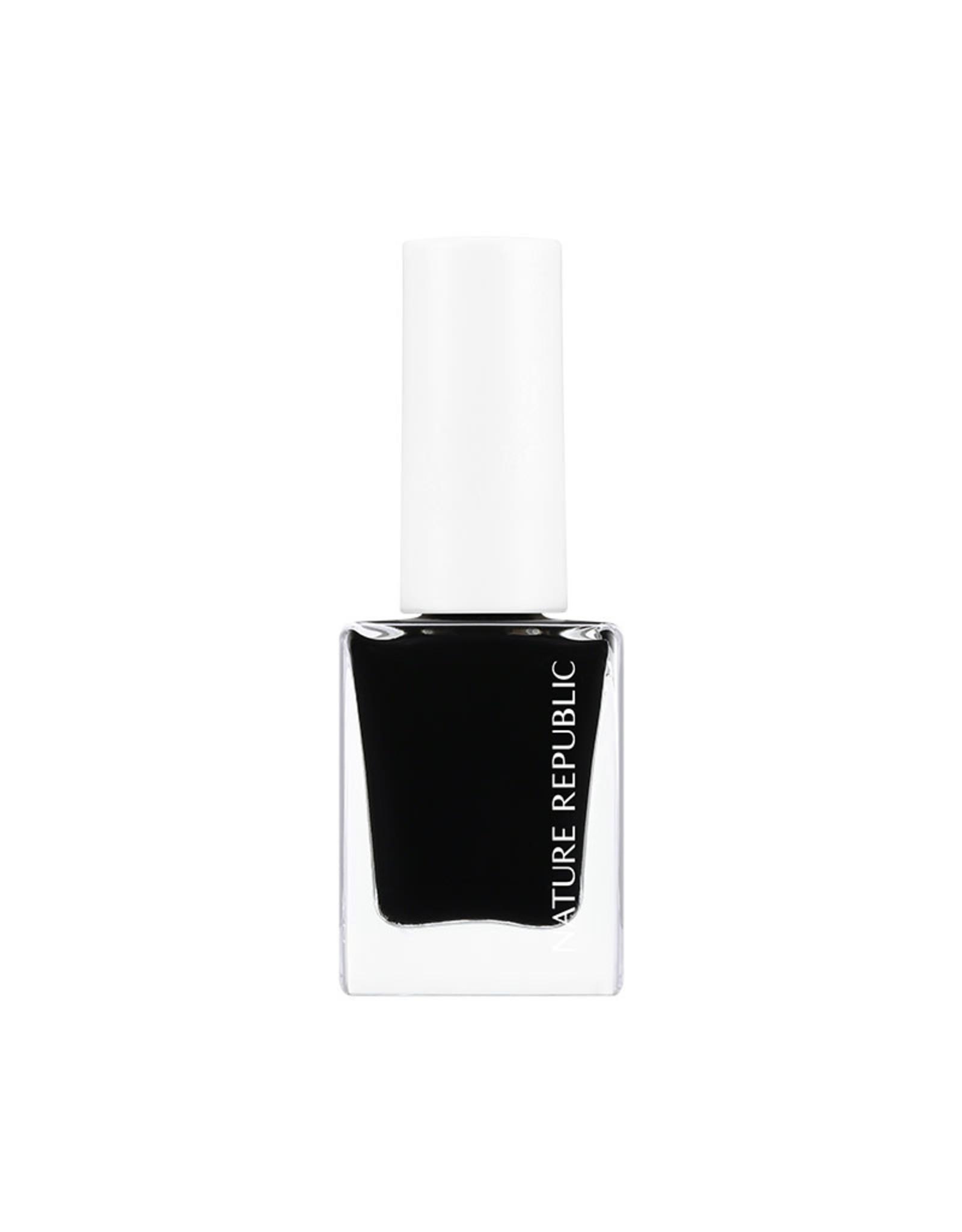 Color & Nature Nail Color 05 Black Black