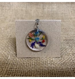 Ten Thousand Villages Round Necklace with Dried Flowers