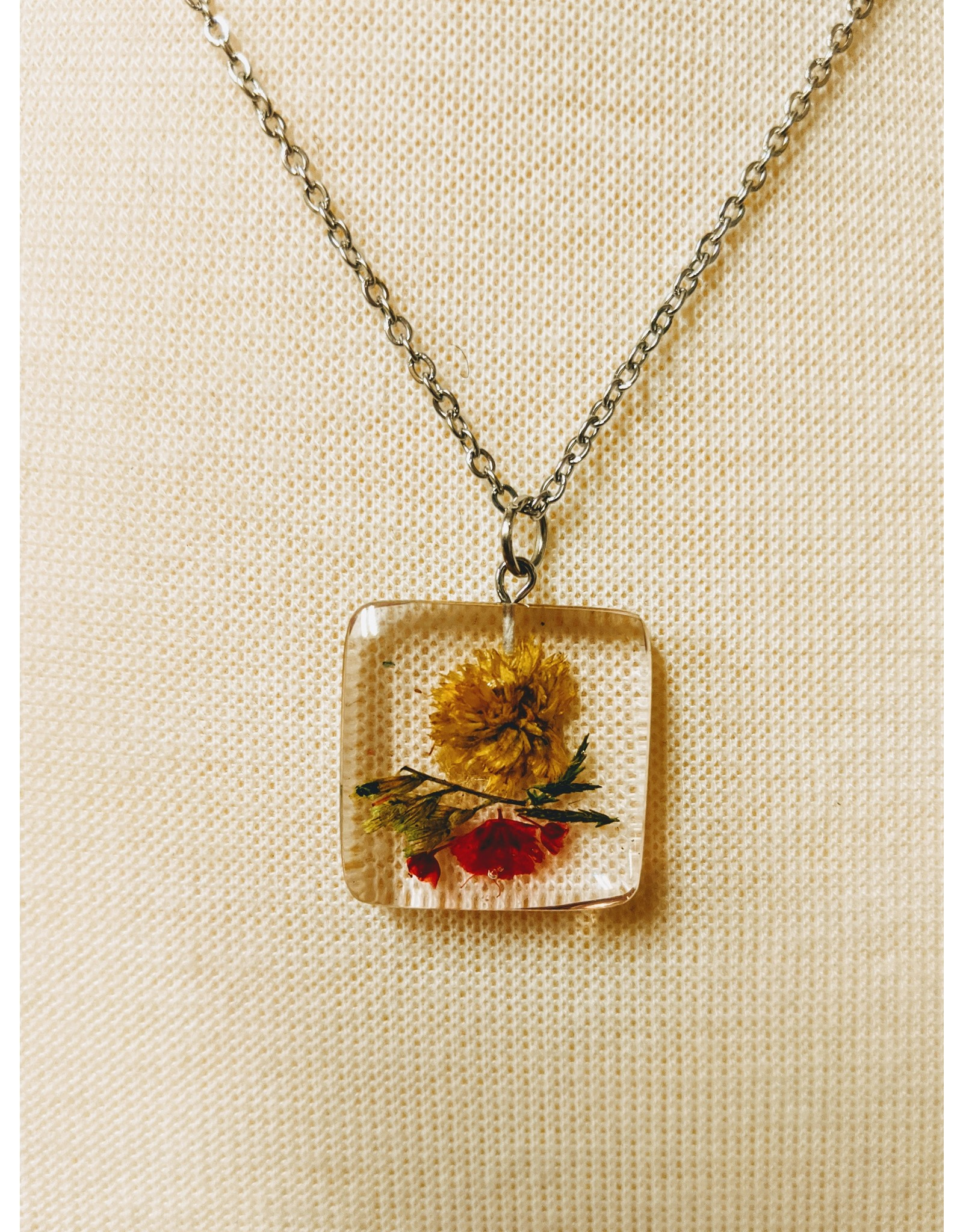 Ten Thousand Villages Square Necklace with Dried Flowers