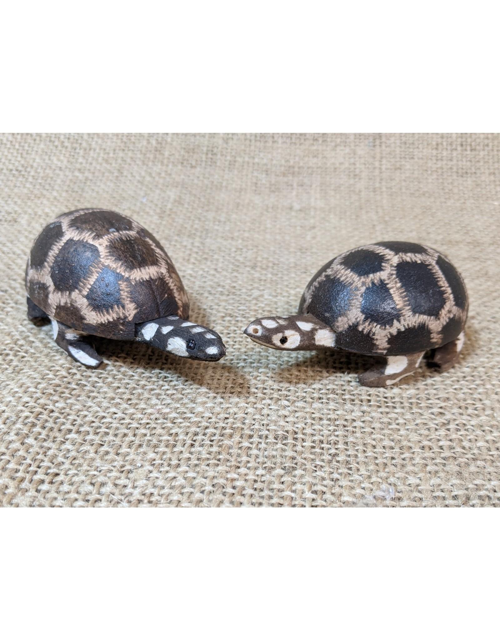 Jamtown Baby Wingo Turtle Shaker, Peru