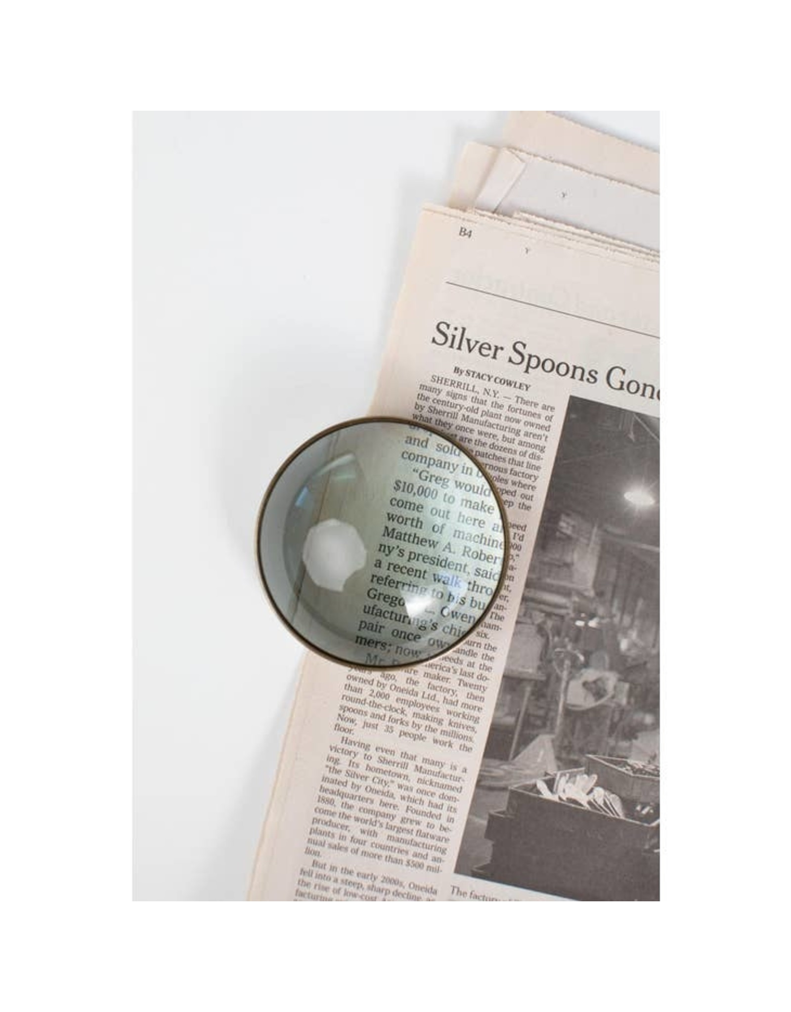 TTV USA Magnifying Paperweight, India
