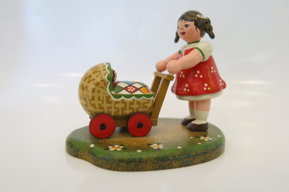 330h0006 Country Idyll - Lauras Doll