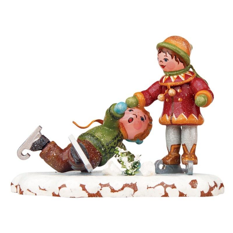 110h0011 Winter Children-Ice Skaters Figurine