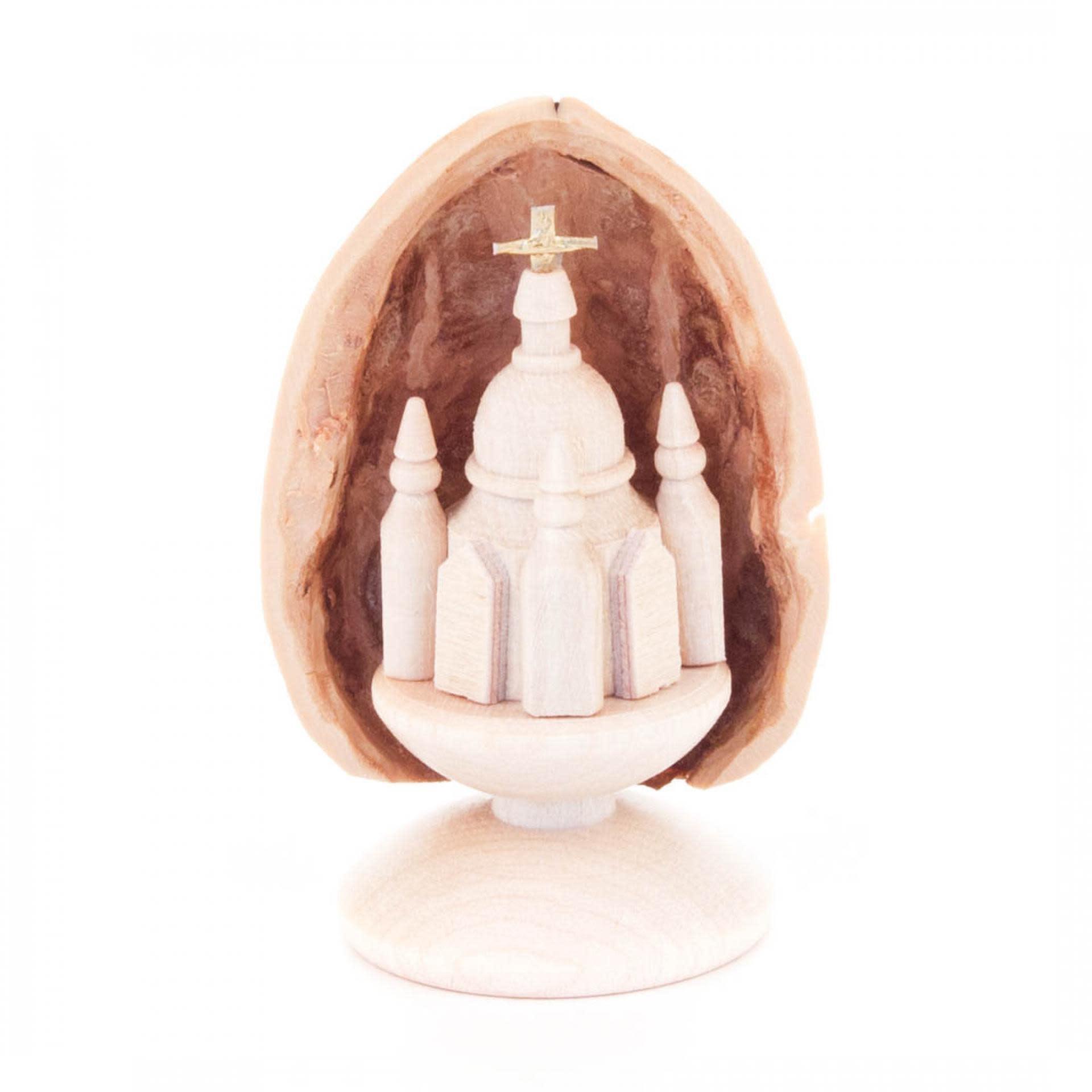 199/351S    Walnut shell with Frauenkirche