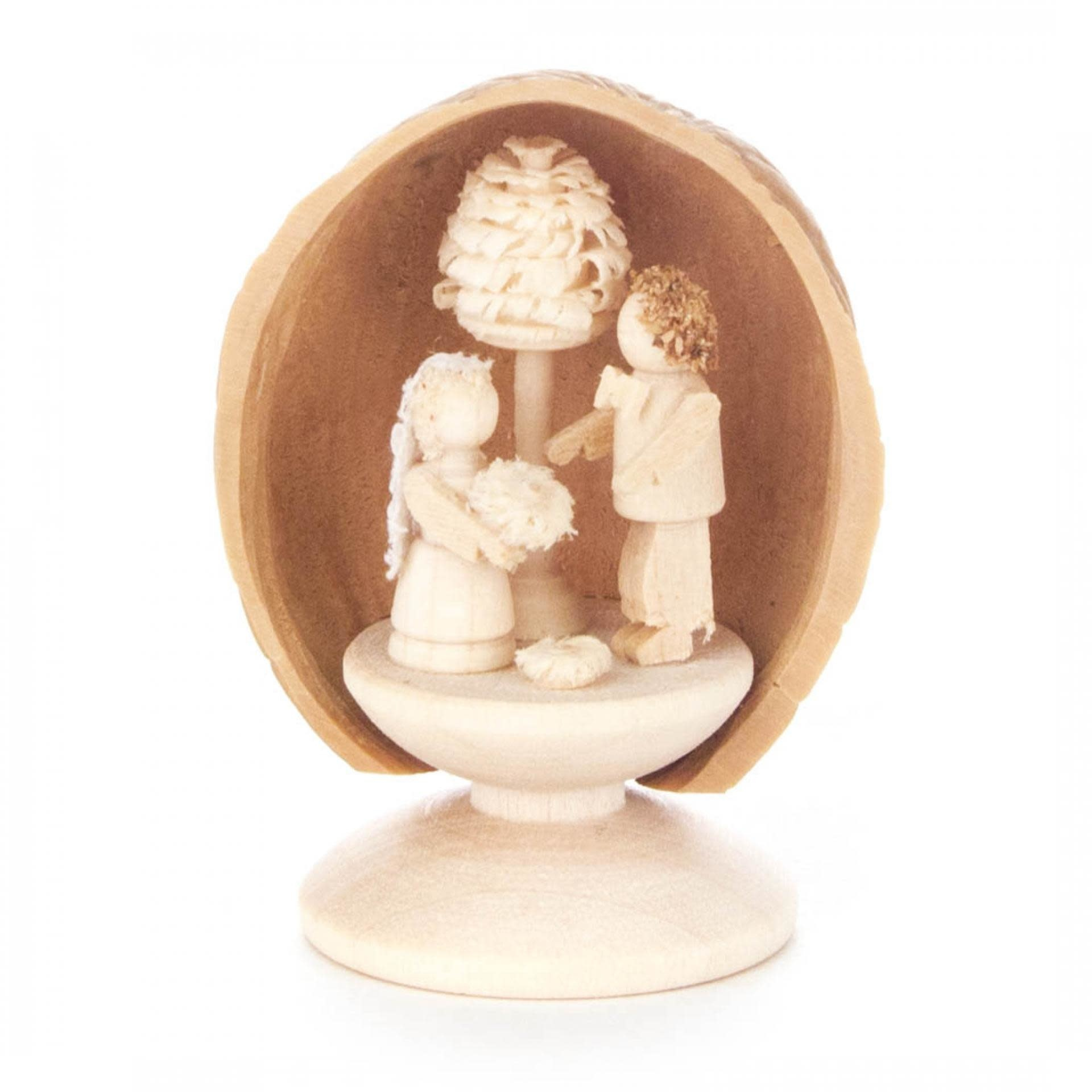 199/480S Walnut shell with bridal couple