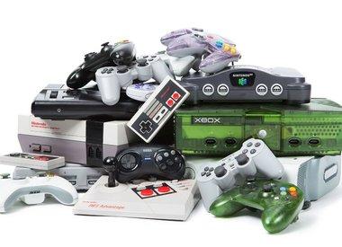 Consoles & Hardware