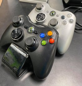 Used Games Nyko Xbox 360 Chargebase (w/2 Xbox 360 Controllers)