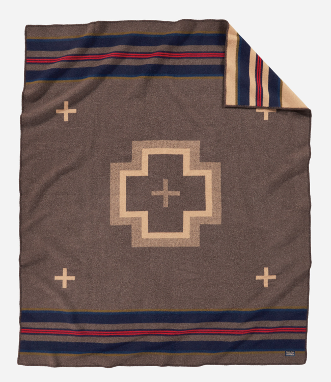 Pendleton Shelter Bay Blanket: Queen