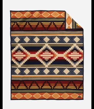 Pendleton Cedar Mountain Blanket: Robe