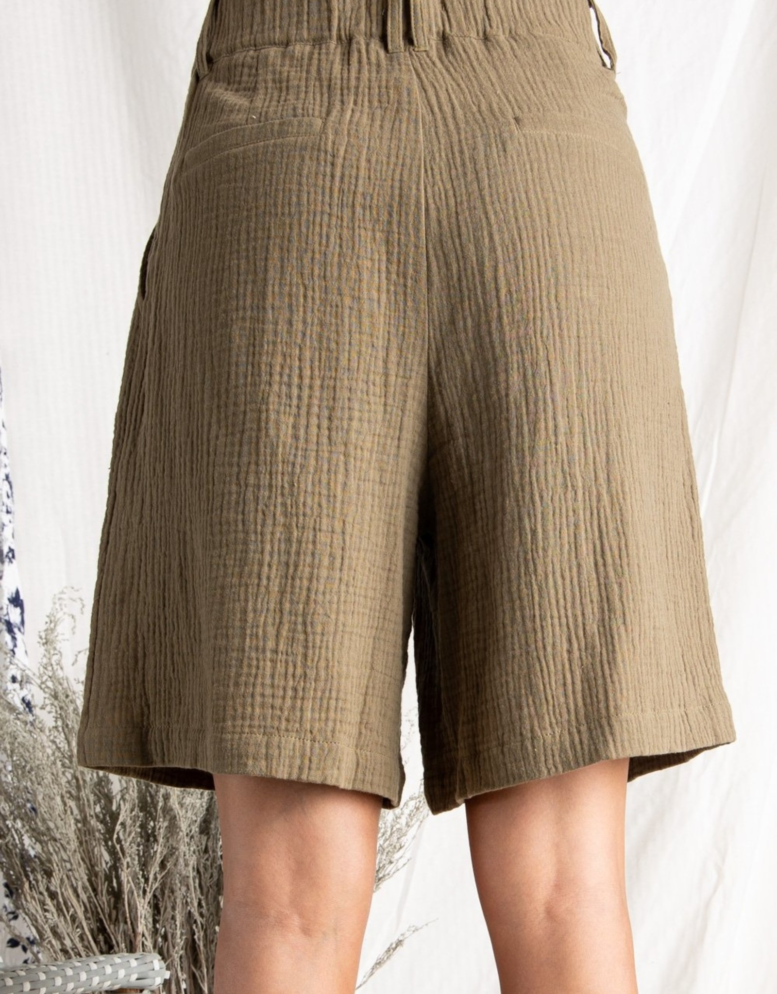 Salford Short Olive Double Gauze with Pleats