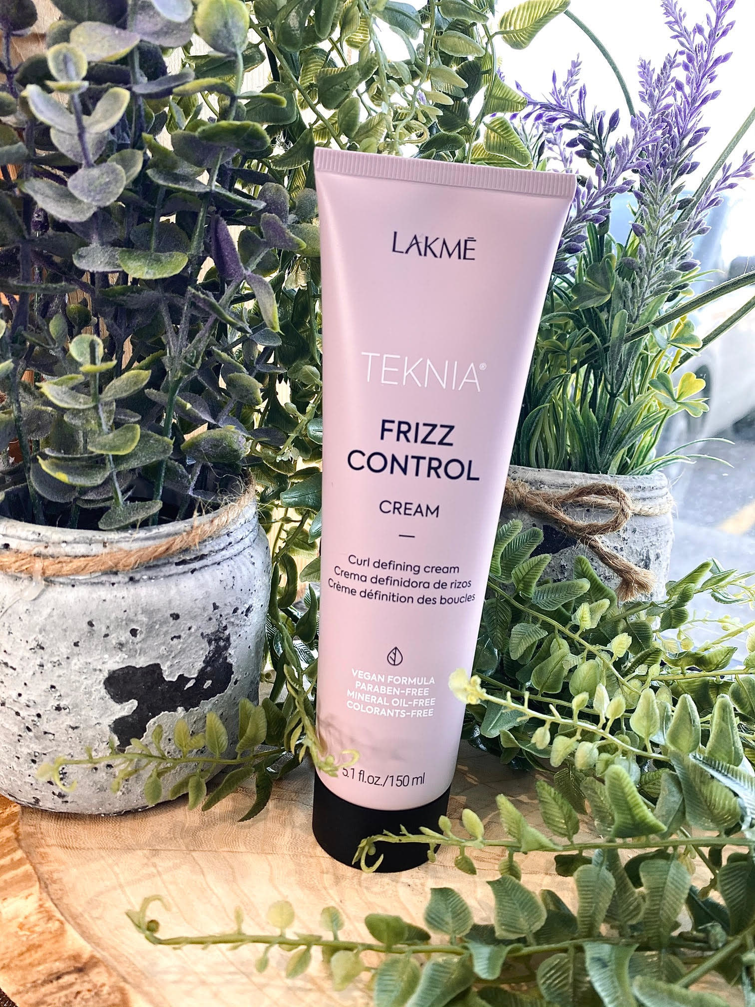 Lakmé  TEKNIA frizz control cream 150ml
