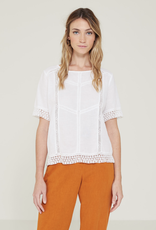 Yerse Yerse short slv embroidered  lace