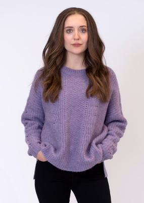 Lyla & Luxe Angela ribbed sweater w crochet detail