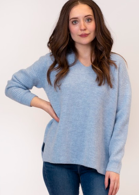 Lyla & Luxe Mason V-neck sweater