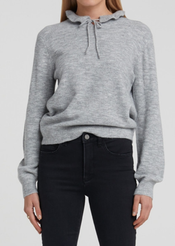 YaYa Sweater with ruffled neck