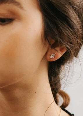 Lover's Temp Harmony Stud Earrings