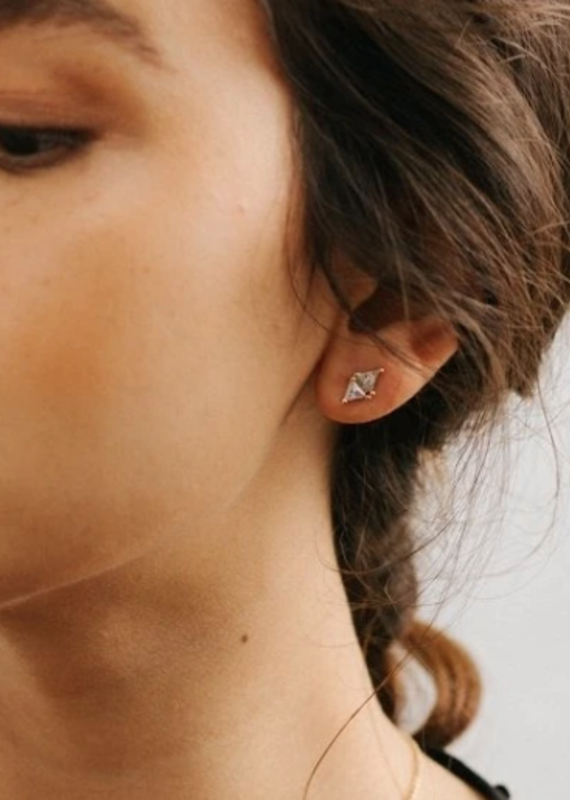 Lover's Temp Harmony Stud Earrings