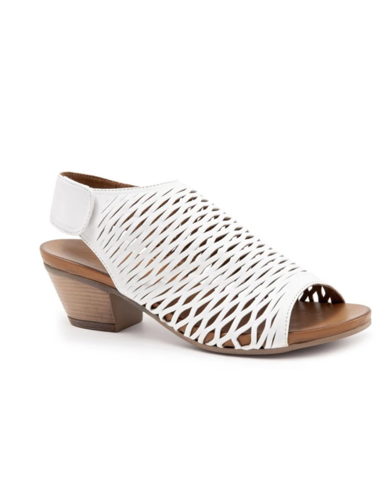 Bueno Bueno Lacey sandal