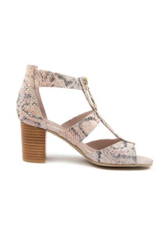 Django & Juliette Saritas shoe