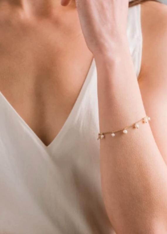 Lover's Tempo Dot Pearl Bracelet