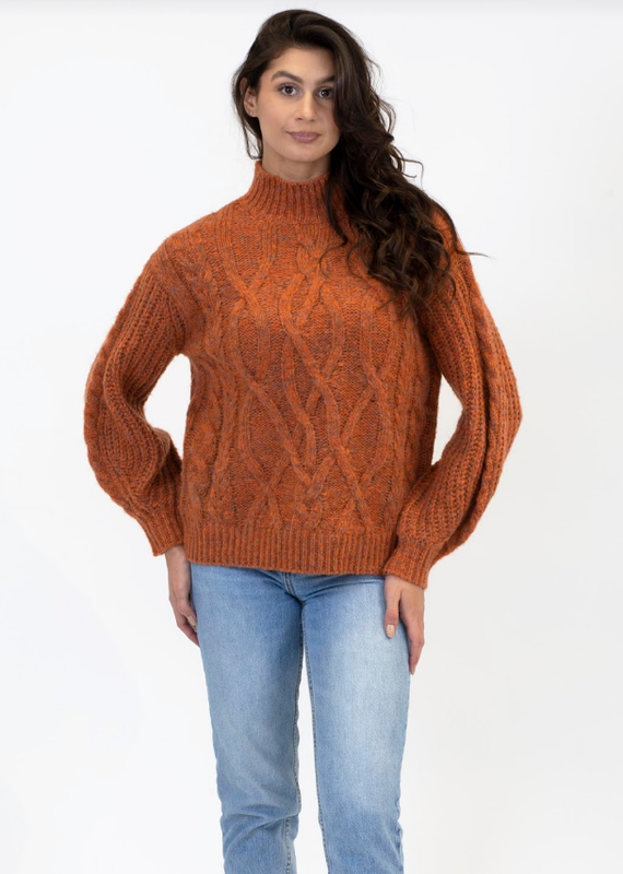 Lyla & Luxe Arthur cable sweater